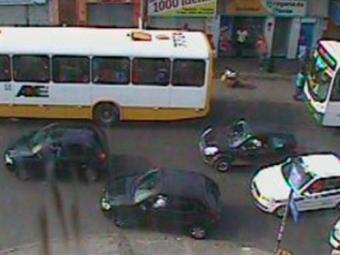 Tráfego segue intenso no Largo do Tamarineiro - Foto: Reprodução | Transalvador