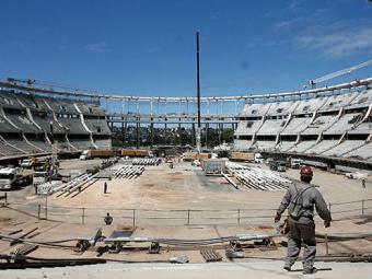 Estrutura da Arena Fonte Nova difere em muito da estrutura antiga e risco de acidentes serão menores - Foto: Raul Spinassé | Ag. A TARDE