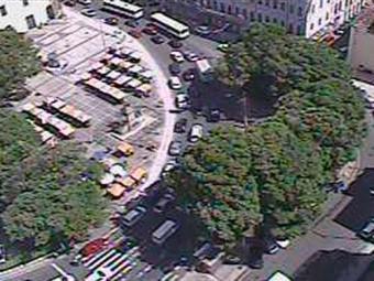 Na Praça Cairu (Comércio), trânsito segue com intensidade - Foto: Reprodução   Transalvador