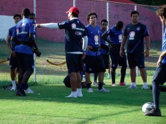 Em último treino no Fazendão, elenco tricolor aprimora forma física para