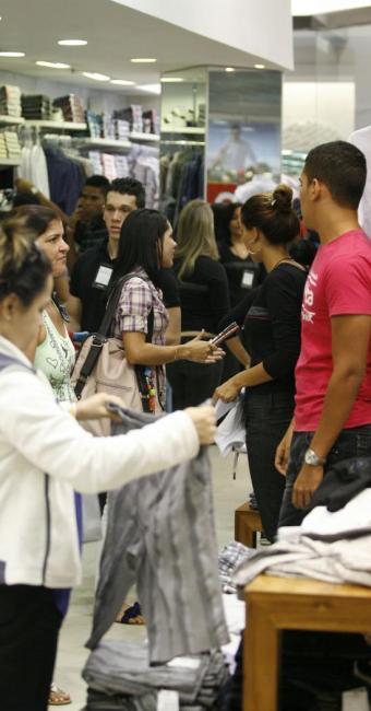 Criminosos obtêm dados pessoais de consumidores para obter crédito - Foto: Luciano da Matta | Ag. A TARDE