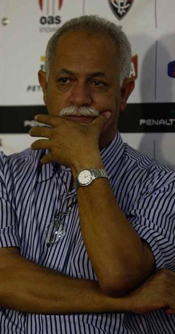 Diretor do Vitória evita polêmica e diz que deu férias antecipadas a Uelliton - Foto: Lúcio Távora | Agência A TARDE