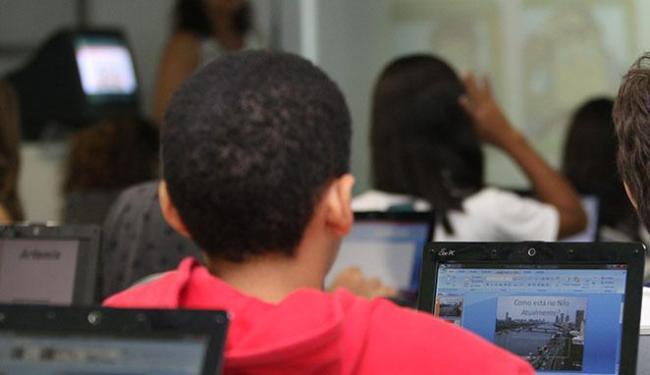 Pesquisa aponta que muitas crianças acessam as redes sociais sem acompanhamento dos pais - Foto: Vaner Casaes   Ag. A TARDE