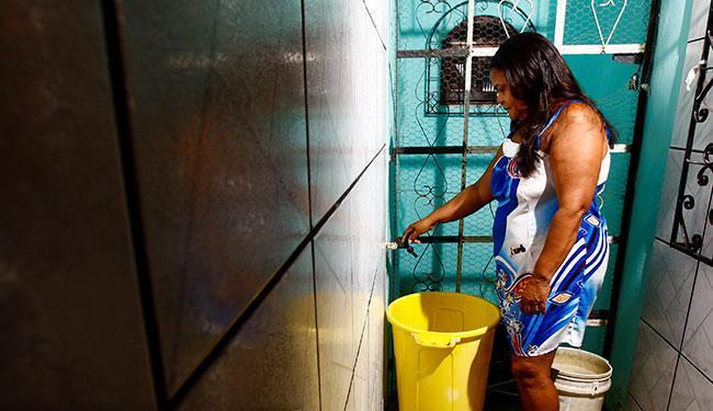 Segundo a Embasa, 60% dos bairros de Salvador vão ficar sem água - Foto: Fernando Vivas | Ag. A TARDE