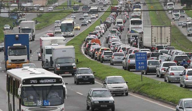 Apesar do movimento intenso, número de acidentes e mortes diminuiram - Foto: Arestides Baptista   Arquivo   Ag. A TARDE