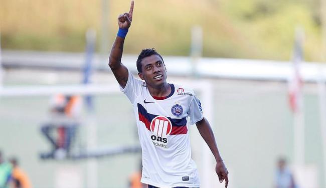 Volante já marcou dois gols no Esquadrão, mas ainda não teve uma sequência no clube baiano - Foto: Eduardo Martins | Ag. A Tarde