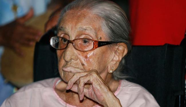 Matriarca da família Veloso está internada no hospital São Rafael, em Salvador - Foto: Luiz Tito   Ag. A TARDE