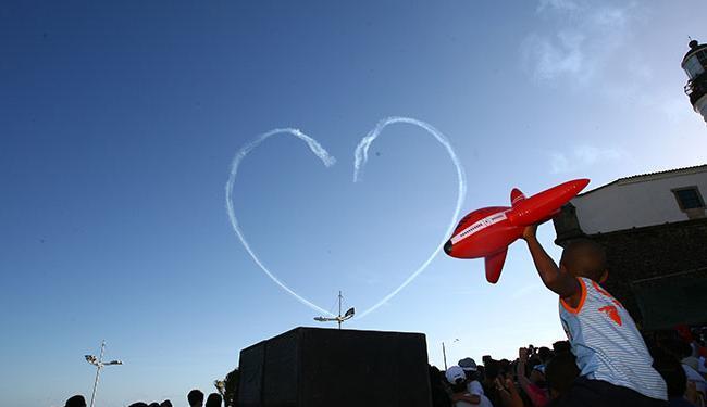 Os aviões desenham formas nos céus e estiveram em Salvador pela última vez em outubro de 2010 - Foto: Fernando Amorim | Ag. A TARDE