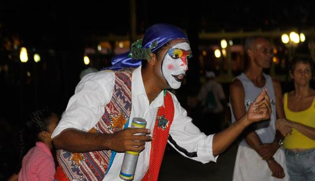 Teatro de rua agrega atores profissionais e amadores - Foto: Divulgação