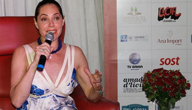 A atriz bateu um papo com convidados para falar sobre o livro