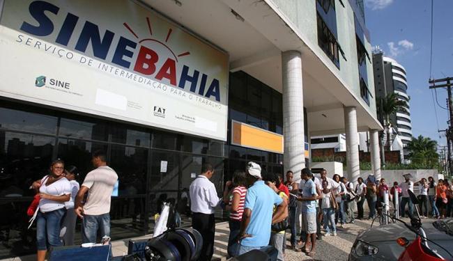 INteressados devem comparecer à unidade central do SineBahia, na Avenida ACM - Foto: Arestides Baptista | Arquivo | Ag. A TARDE