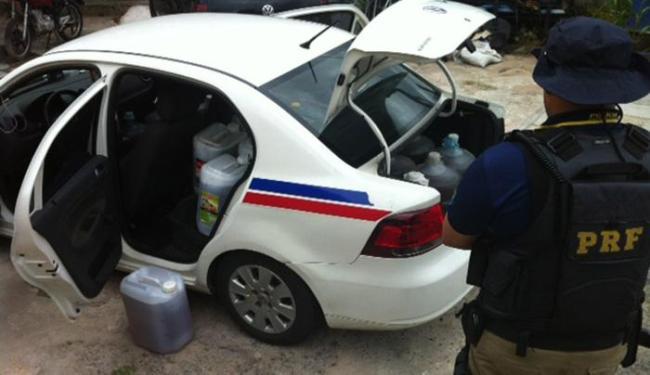 Prisão aconteceu durante abordagem ao veículo - Foto: Divulgação | PRF