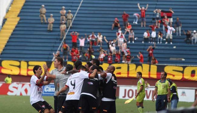 Comemoração do gol do Vitória durante a partida contra o Joinville - Foto: Patrícia Phillips | Bapress/Estadão