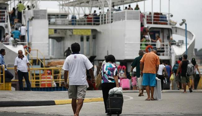 Pedestres têm embarque imediato em Bom Despacho - Foto: Raul Spinassé | Ag. A TARDE