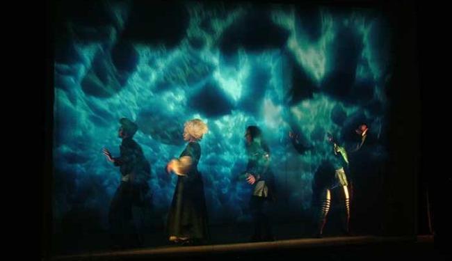 Peça inspirada na obra de Júlio Verne, fica de sexta a domingo, no Teatro Vila Velha - Foto: Giampietro Tanteri | Divulgação