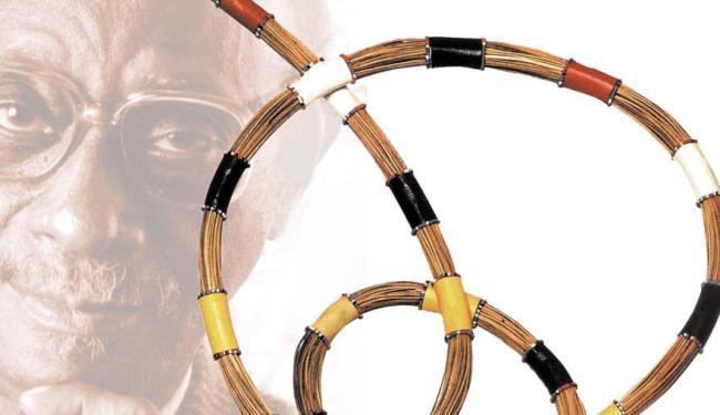 Mestre Didi é exímio artesão da tradição africana na confecção de objetos sacros - Foto: Divulgação | Arte sobre foto | Editoria de Arte A TARDE