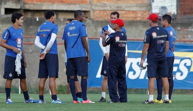 Time comandado pelo técnico Jorginho tenta se salvar diante do Timbu - Foto: Eduardo Martins | Ag. A TARDE
