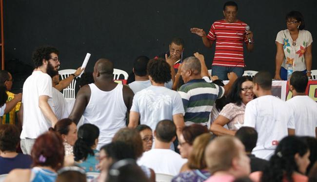 Os professores decidiram, em assembleia, realizar uma nova paralisação no dia 13 de dezembro - Foto: Raul Spinassé   Ag. A TARDE