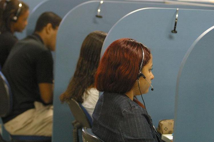 Ficam limitados os horários das ligações de telemarketing ativo: das 10h até às 21h - Foto: Fernando Vivas | Ag. A TARDE