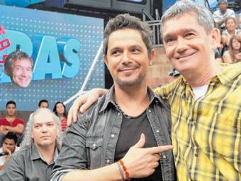 O artista está no Brasil para divulgar o novo álbum - Foto: Zé Paulo Cardeal   TV Globo   Divulgação