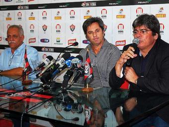 Em sua apresentação oficial, Caio Júnior promete empenho para conquistar a torcida rubro-negra - Foto: Esporte Clube Vitória | Divulgação
