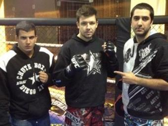 Bruno (no centro) se prepara para enfrentar a primeira luta da carreira no MMA - Foto: Reprodução