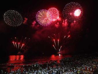 Festa de passagem de ano está garantida - Foto: Claudionor Junior Ag A Tarde 01.01.2010