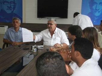 Em coletiva, prefeito eleito confirmou cancelamento da festa em 2013 - Foto: Miriam Hermes   Ag. A TARDE