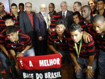 Governador parabeniza os vitoriosos meninos rubro-negros por título da Copa do Brasil Sub-20 - Foto: Lúcio Távora | Agência A TARDE