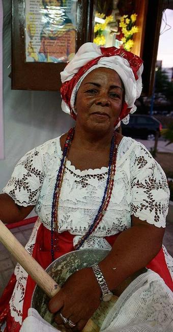 Maria de Lurdes, baiana de acarajé: