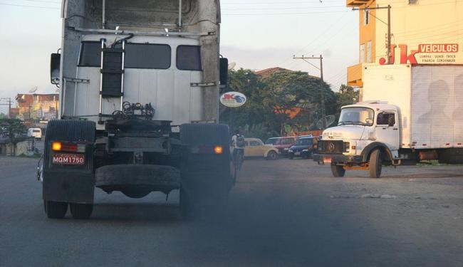 O Brasil emitiu 424 milhões de toneladas de gás carbônico em 2011, 1,4% a mais do que em 2010 - Foto: Zeka | Ag. A TARDE