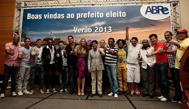 A 2ª folia momesca, da Copa, foi apresentada a músicos baianos - Foto: Mila Cordeiro | Ag. A TARDE