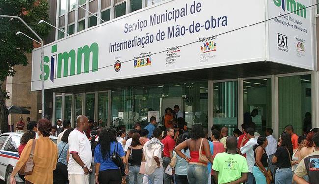 Entre as vagas oferecidas pelo serviço, 300 são para operador de telmarketing - Foto: Eduardo Martins   Arquivo   Ag. A TARDE