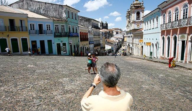 Sinebahia oferece vagas para promotora de pacotes turísticos, aproveitando o período de festas - Foto: Marco Aurélio Martins | Ag. A TARDE