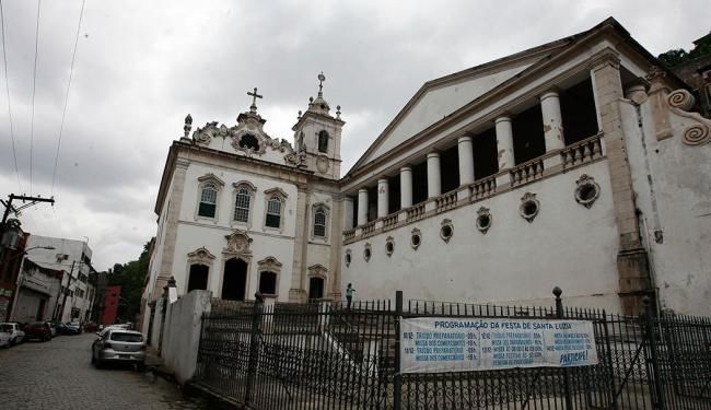 Diversas missas serão realizadas na Igreja do Pilar, na região do Comércio, ao longo do dia - Foto: Milar Cordeiro | Ag. A TARDE