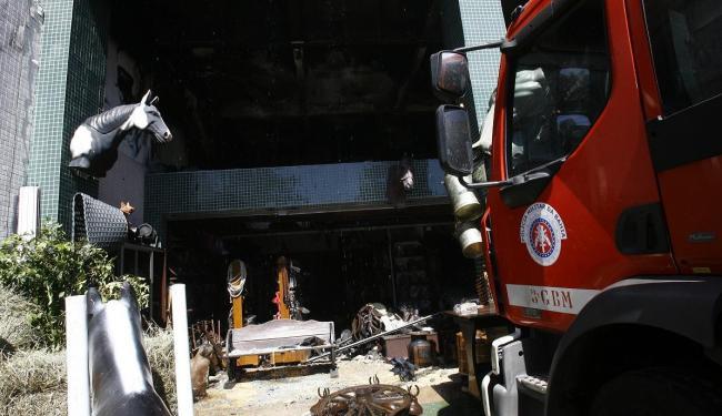 Incêndio só foi totalmente controlado na manhã desta sexta, 15 - Foto: Margarida Neide | Ag. A TARDE