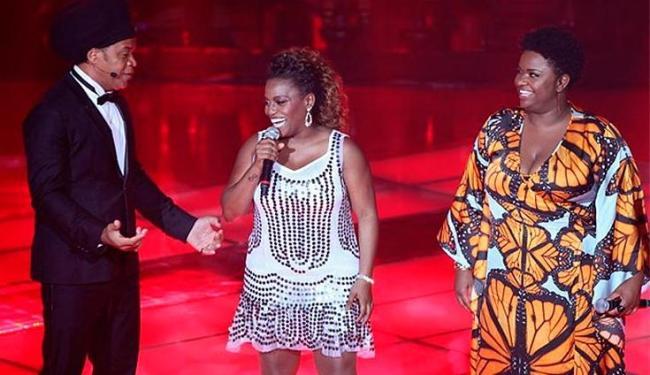 A baiana Ludmillah (centro) perdeu na semifinal para Ellen Olério (à dir.), vencedora do programa - Foto: TV Globo | The Voice Brasil