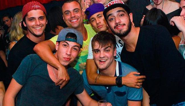 Neymar e amigos curtem boate no Rio de Janeiro - Foto: Raphael Mesquita | Divulgação
