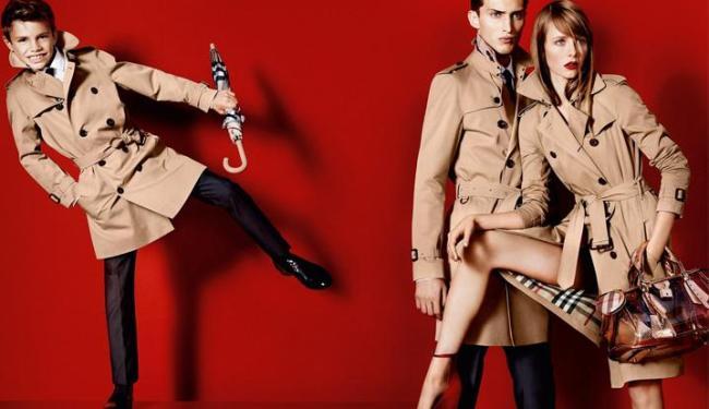 Romeo é um dos modelos da campanha de verão da marca britânica Burberry - Foto: Divulgação