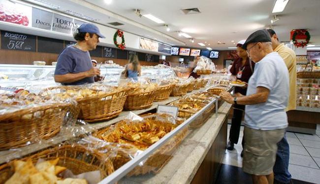 Supermercados de Salvador estão movimentados - Foto: Marco Aurélio Martins | Ag. A TARDE