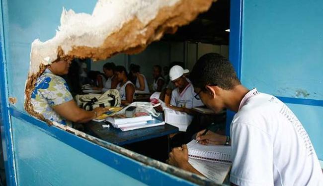 Depredamento nas escolas é algo corriqueiro - Foto: Iracema Chequer | Ag. A TARDE