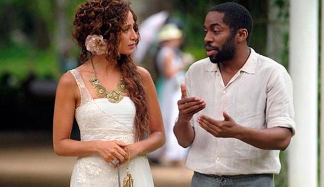Isabel convence Zé Maria a assistí-la no teatro - Foto: Divulgação