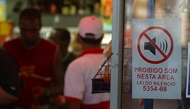 População não se conscientizou sobre danos que o barulho em excesso pode causar - Foto: Fernando Vivas | Ag. A TARDE