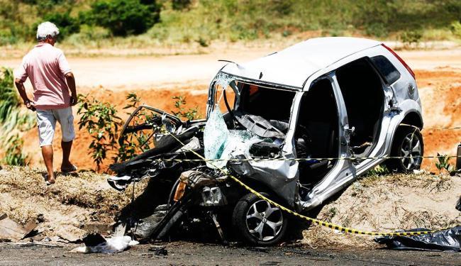 Acidente na BR-324 deixou uma pessoa morta na segunda-feira, 24 - Foto: Raul Spinassé   Agência A TARDE