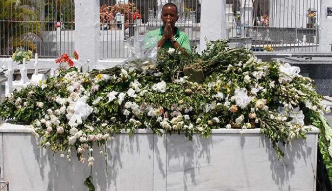 Comércio abriu mas moradores ainda se dizem comovidos com a perda - Foto: Lúcio Távora   Ag. A TARDE