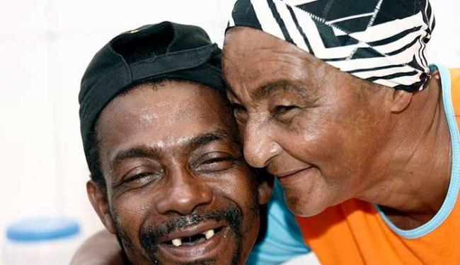 Gilberto Santos ganhou dentadura e enfrentou burocracia para