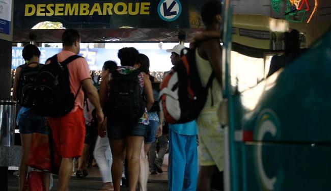 Cerca 320 mil passageiros devem passar pelo rodoviária até o dia 31, estima a Agerba - Foto: Raul Spinassé | Ag. A TARDE