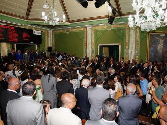 Prevista para as 14h30, cerimônia só aconteceu com meia hora de atraso devido a uma grande desordem - Foto: Lúcio Távora | Ag. A TARDE