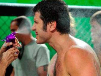 Ulisses ganha a luta para surpresa de todos - Foto: Divulgação