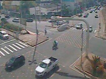 O trânsito na Lucaia está livre na manhã desta quarta - Foto: Transalvador   Reprodução